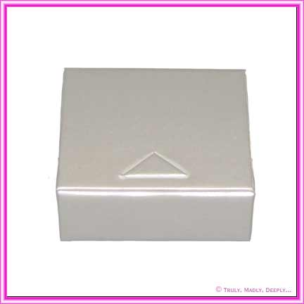 Box BB Pearl White