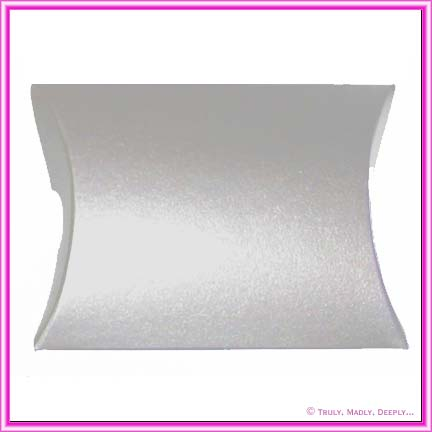Bomboniere Pillow Box 120mm Metallic Pearl White