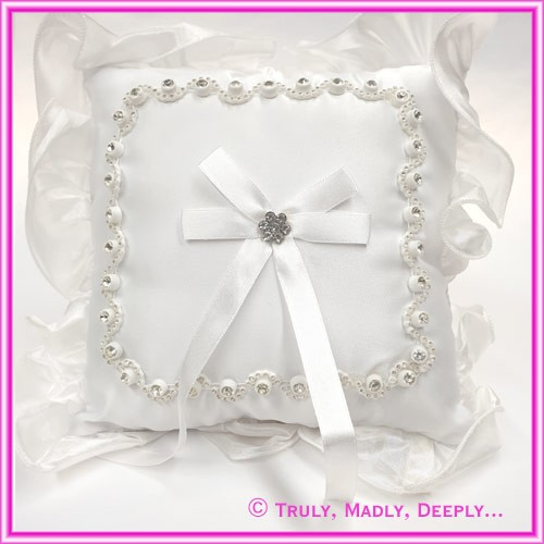 Wedding Ring Cushion - Diamante Rim Flower