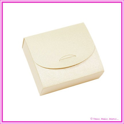 Bomboniere Purse Box - Metallic Pearl Pale Buff