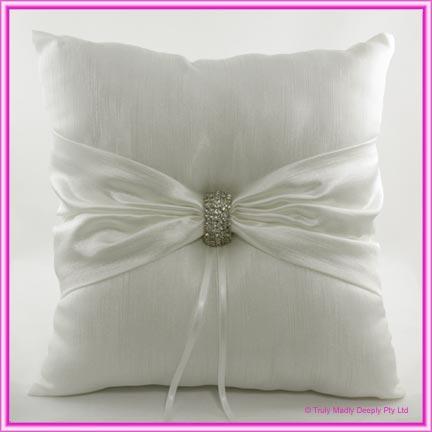 Wedding Ring Cushion - Diamante Clasp Ivory