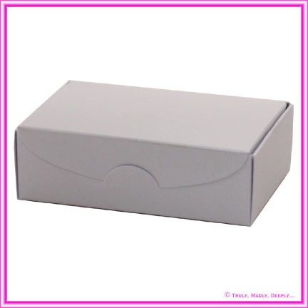 Wedding Cake Box - Metallic Pearl White